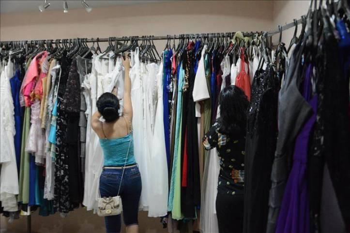 Montar-un-negocio-de-alquiler-de-ropa-y-accesorios-de-moda